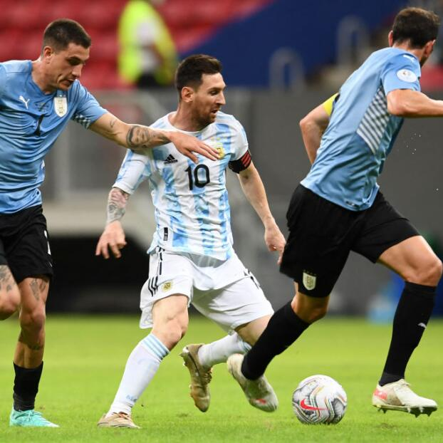 EN VIVO | Uruguay busca la remontada ante Argentina
