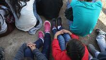 El gobierno de Biden pide apoyo a FEMA para atender a los niños que llegan solos a la frontera sur de EEUU