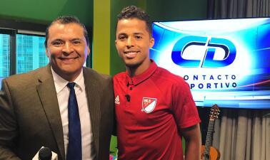 Giovani dos Santos visita Univision Chicago antes del juego de la MLS Allstars vs Real Madrid