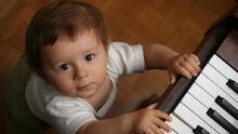 Aprender música puede ayudar a los bebés con el aprendizaje de idiomas y su desarrollo emocional