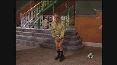 Vecinos   A Don Roque se le olvidó ponerse pantalones