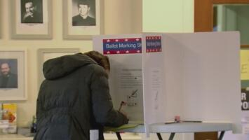 Los candidatos que buscan el voto latino