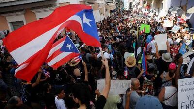 Con música, pancartas y cacerolas los puertorriqueños siguen exigiendo la renuncia de Ricardo Rosselló