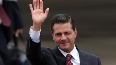 Críticas a Peña Nieto por informe sobre la cantidad de alcohol consumido en el avión presidencial durante su mandato