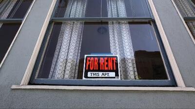 Denuncian a caseros en California que piden documentos migratorios a sus inquilinos