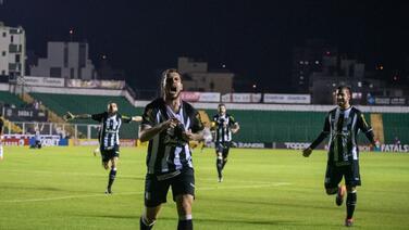 Jugadores del Figueirense se niegan a jugar en Brasil