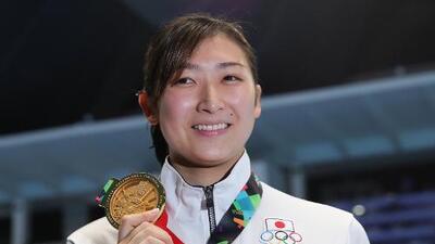 Estrella japonesa de natación padece de leucemia