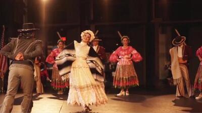 Cientos de personas llegan a Millennium Park para disfrutar de la gira de 'México en el Corazón'