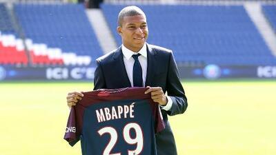 Kylian Mbappé fue presentado oficialmente por el PSG