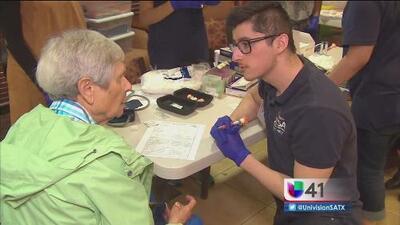 Evento impulsa la salud y bienestar en adultos mayores