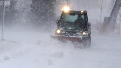 Los efectos del 'ciclón bomba': lluvias, nieve severa y vientos huracanados en estados centrales de EEUU