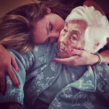 ¡Thalía se reconcilió con su abuelita! ¿Y Laura Zapata?