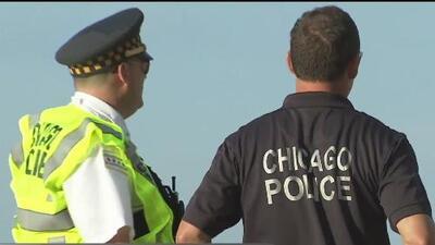 """""""Estoy en shock"""": preocupación entre habitantes de Chicago tras el caos y los apuñalamientos en Navy Pier"""