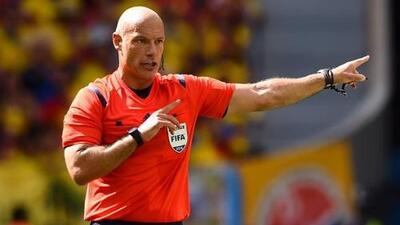 Se retira Howard Webb, el árbitro de la final del Mundial de Sudáfrica 2010
