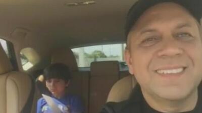 Video en el que un padre le explica a su hijo el significado de la letra de 'Despacito' se vuelve viral en cuestión de horas