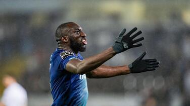 Porto se une y dedica triunfo a Marega tras sufrir racismo
