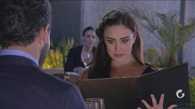La Taxista | Álvaro invita a Victoria a cenar