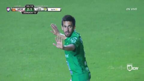 ¡GOOOL! Fernando Navarro anota para León