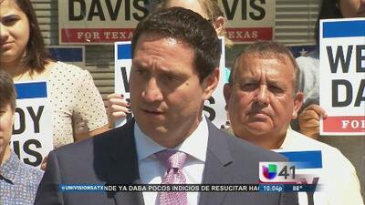 Trey Martinez Fischer demuestra su apoyo a Wendy Davis