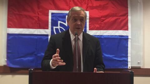 El gobierno de Trump no emitirá el TPS para venezolanos, asegura el senador Dick Durbin