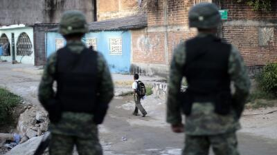 Acusan a maestro de abusar de 8 niños en México