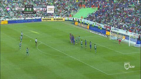 ¡Cruz Azul se vuelve a salvar del gol!