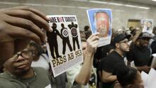 Los conductores de raza negra en California tienen más probabilidad de ser detenidos por la Policía, según reporte