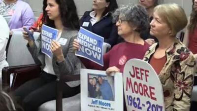Médicos y activistas demandan expansión del programa Medicaid