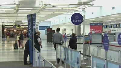 Más de 500 vuelos cancelados por el cierre del aeropuerto de Fort Lauderdale ante la amenaza de Dorian
