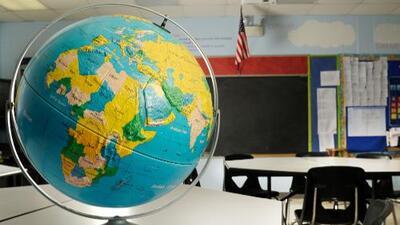 Esta profesora hispana usa episodios oscuros de la historia de EEUU para enseñar a sus alumnos a cambiar el mundo