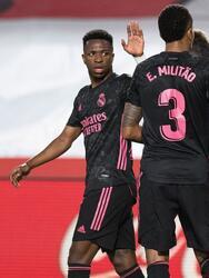 El Real Madid muestra su poderío y con los goles de Luka Modric, Rodrygo, Ávaro Odriozola y Karim Benzema, el Real Madrid golea 1-4 al Granada y aprietan al Atlético de Madrid en la pelea por el título de La Liga.