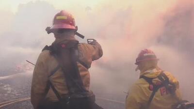 Actualización: Se reducen las evacuaciones por el incendio 'Tenaja' en el condado de Riverside