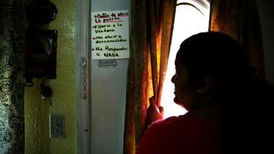 """""""Me siento como cuando se aproxima un huracán"""": la amenaza de redadas masivas mantiene en alerta a los indocumentados"""