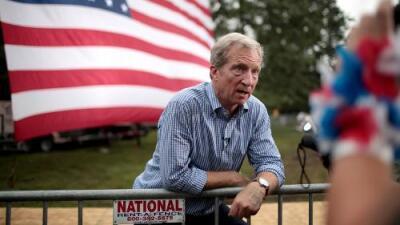 Quién es el multimillonario que quiere ser presidente y que se estrenará en el proximo debate demócrata