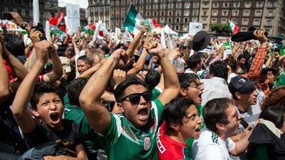Los candidatos a la presidencia de México se suman a la victoria de su selección
