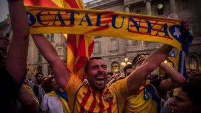 España destituye a todo el gobierno de Cataluña y convoca elecciones tras la declaración unilateral de independencia