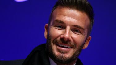 """""""Surprise!"""" ... David Beckham da la alegría de su vida a aficionada de Inter Miami"""