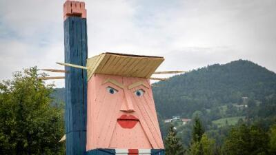 Erigen estatua de Trump –con dos caras– en Eslovenia, el país donde nació su esposa
