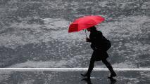 Lluvias fuertes y mucha nubosidad: el pronóstico del tiempo para la mañana del lunes en Dallas