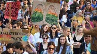 Estudiantes lideran protesta mundial contra el cambio climático, con el impulso de la joven activista Greta Thunberg
