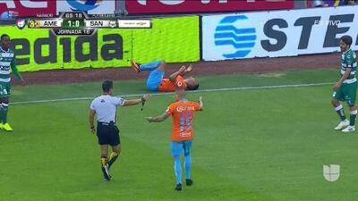 ¡Expulsión! El árbitro saca la roja directa a José Abella