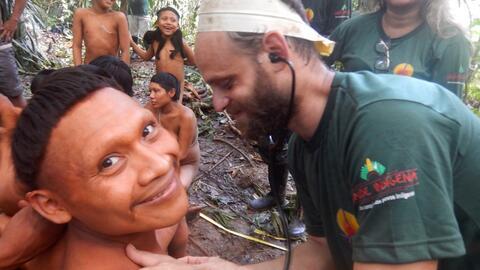 Contactan en una jungla del Amazonas a una tribu indígena aislada voluntariamente