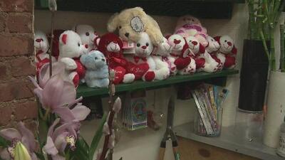 Residentes y expertos comentan sobre el mejor regalo para este Día de San Valentín