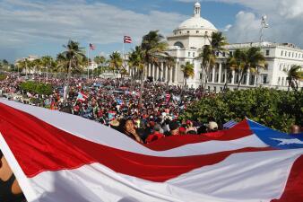 """""""Ricky renuncia"""": la masiva protesta contra el gobernador frente al Capitolio de Puerto Rico (fotos)"""