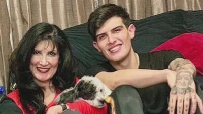 Adriel Favela se enojó y distanció de su madre porque ella ventiló que el cantante se había convertido en padre