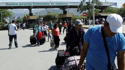 Continúa el caos por la falta de billetes en Venezuela a pesar de reabrir la frontera con Colombia