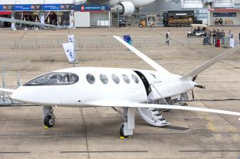 650 millas con una sola carga de energía: el avión de pasajeros eléctrico que pronto cruzará los cielos de EEUU (fotos)