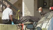 Una mujer encuentra a sus padres sin vida en un apartamento de Hialeah: ambos cuerpos tenían impactos de bala