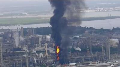 Incendio en planta de ExxonMobil: 37 personas sufrieron heridas menores y autoridades dan parte de tranquilidad