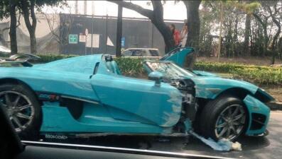 Este es el carro de 2 millones de dólares que destrozaron en Ciudad de México